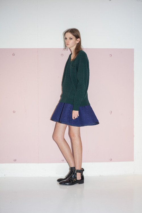 http://www.fashionsnap.com/collection/sacai/luck/2014-15aw/gallery/index19.php