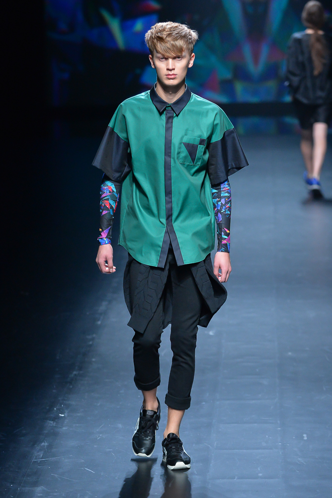 http://www.fashionsnap.com/collection/atsushi-nakashima/2015ss/gallery/index15.php