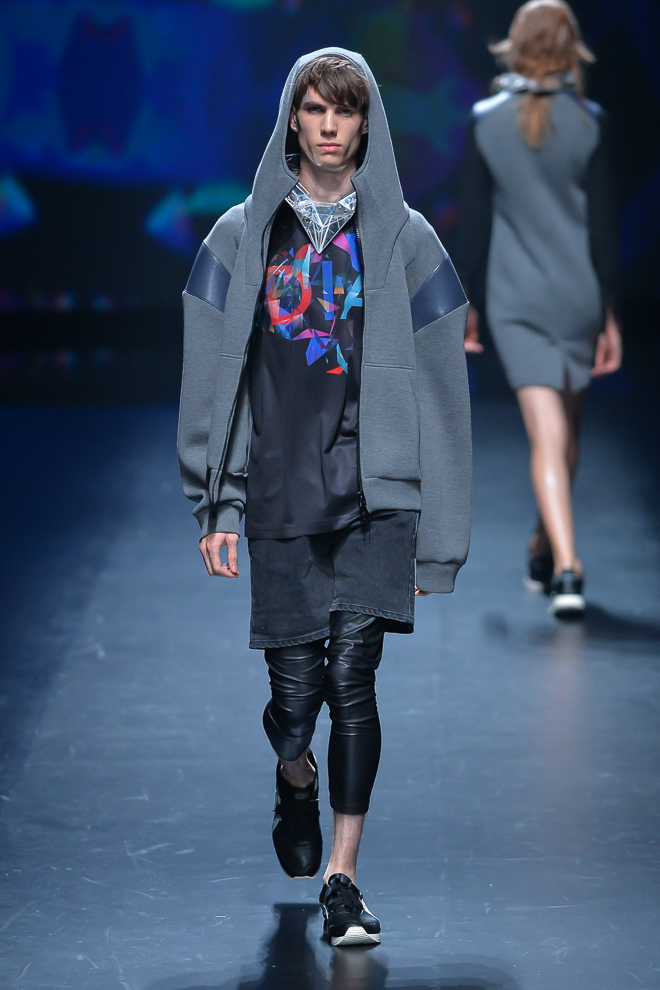http://www.fashionsnap.com/collection/atsushi-nakashima/2015ss/gallery/index22.php