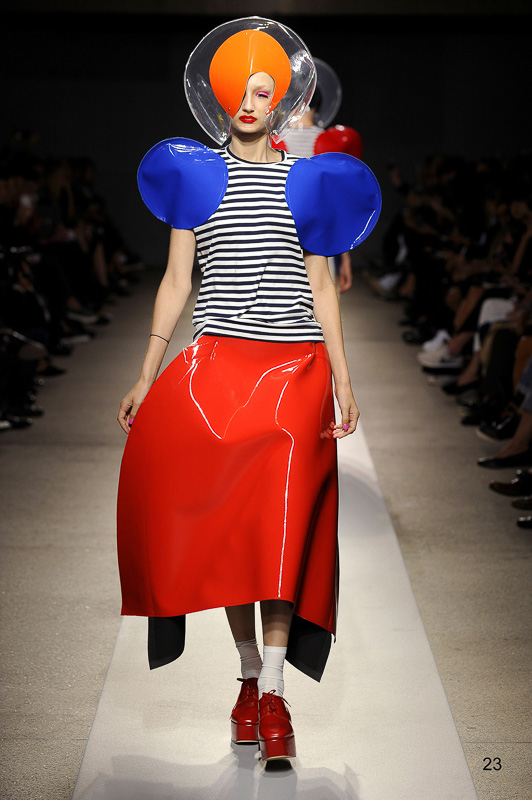 http://www.fashionsnap.com/collection/comme-des-garcons/junya-watanabe/2015ss/gallery/index23.php