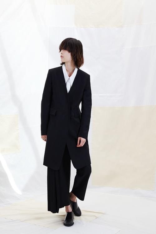 http://www.fashionsnap.com/collection/maison-martin-margiela/mm/2015ss-pre/gallery/index20.php