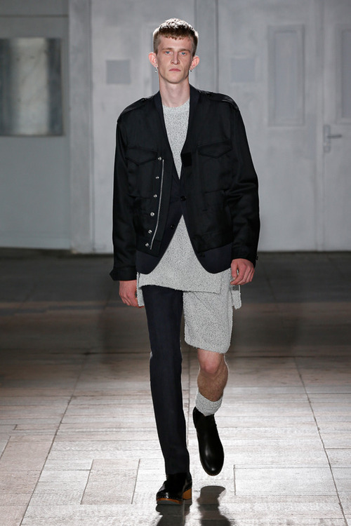 http://www.fashionsnap.com/collection/maison-martin-margiela/mens/2015ss/gallery/index8.php
