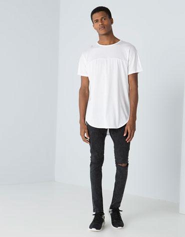 http://www.bershka.com/jp/en/man/man/t-shirts/longer-fit-cut-t-shirt-c705515p5406505c250.html