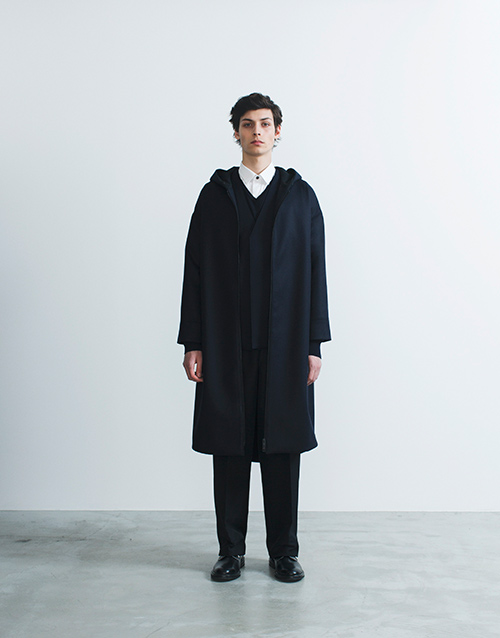 http://www.fashion-press.net/collections/gallery/16283/282720