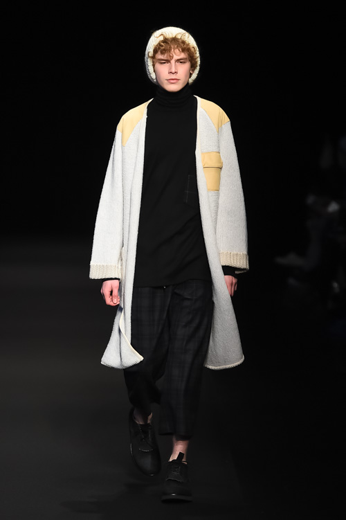 http://www.fashion-press.net/collections/gallery/16061/279379