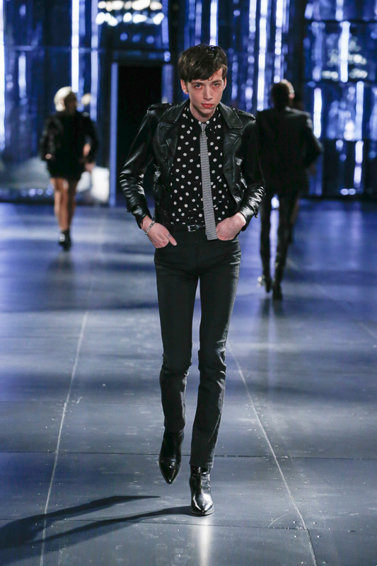 http://www.fashionsnap.com/collection/saint-laurent/men/2015-16aw/gallery/index15.php