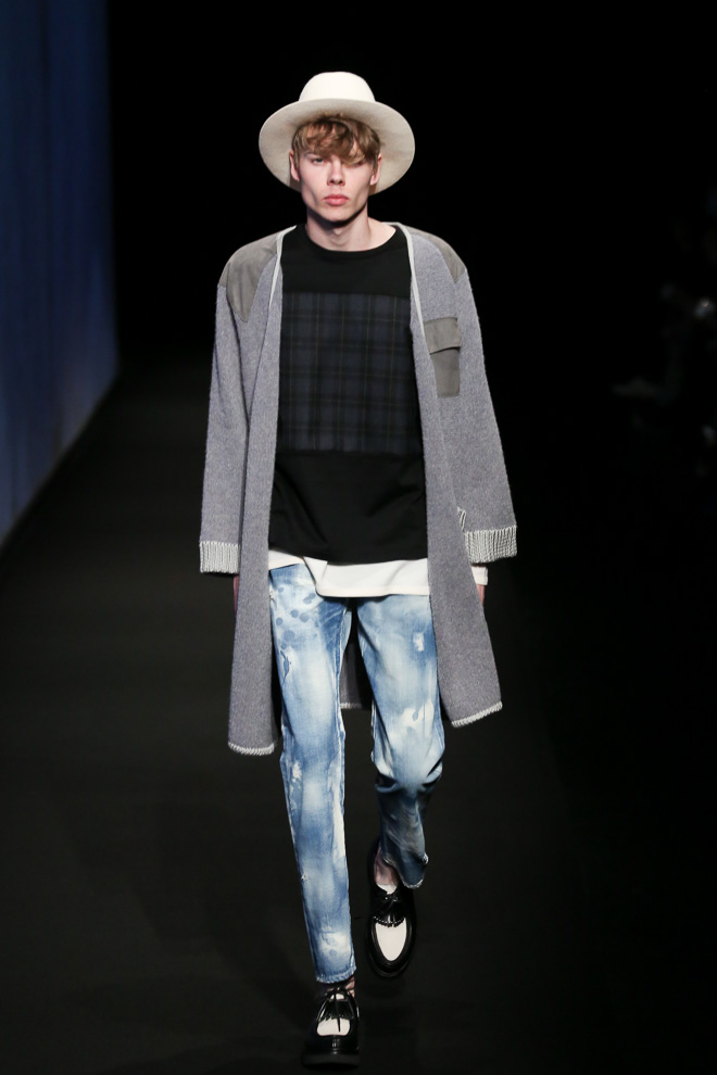 http://www.fashionsnap.com/collection/factotum/2015-16aw/gallery/index54.php