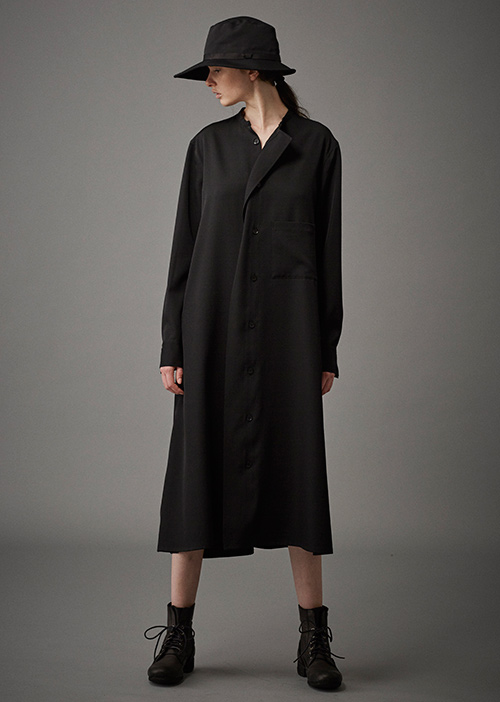 http://www.fashion-press.net/collections/gallery/17003/292610