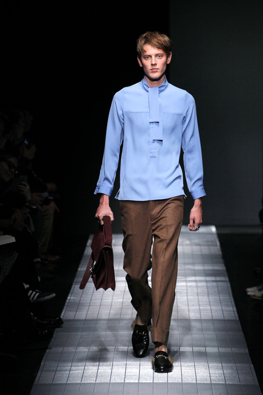 http://www.fashionsnap.com/collection/gucci/mens/2015-16aw/gallery/index19.php