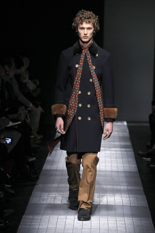 http://www.fashionsnap.com/collection/gucci/mens/2015-16aw/gallery/index35.php