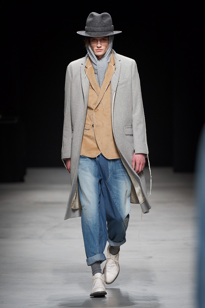 http://www.fashionsnap.com/collection/miharayasuhiro/mens/2015-16aw/gallery/index2.php