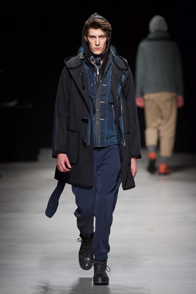 http://www.fashionsnap.com/collection/miharayasuhiro/mens/2015-16aw/gallery/index16.php