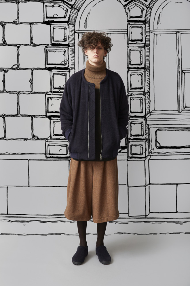 http://www.fashionsnap.com/collection/trove/2015-16aw/gallery/index14.php