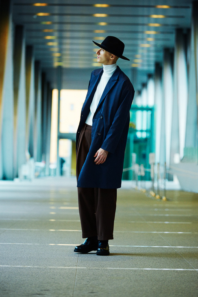 http://www.fashionsnap.com/collection/united-tokyo/2015-16aw/gallery/index9.php