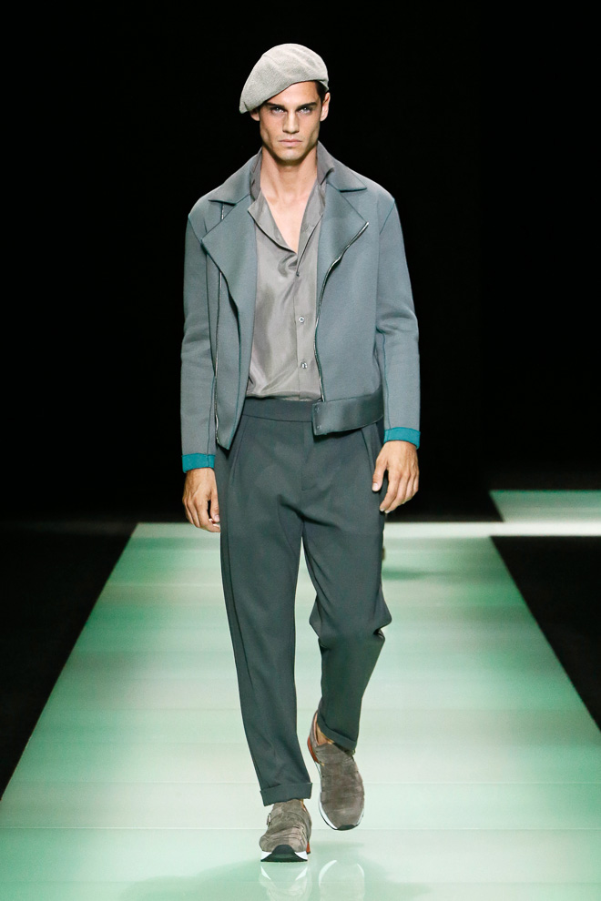 http://www.fashionsnap.com/collection/armani/emporiomens/2016ss/gallery/index9.php