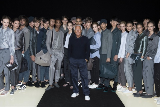 http://www.fashionsnap.com/collection/armani/emporiomens/2016ss/