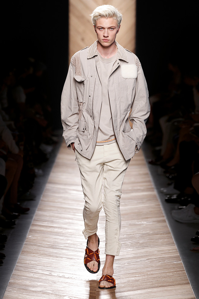 http://www.fashionsnap.com/collection/bottega-veneta/mens/2016ss/gallery/index39.php