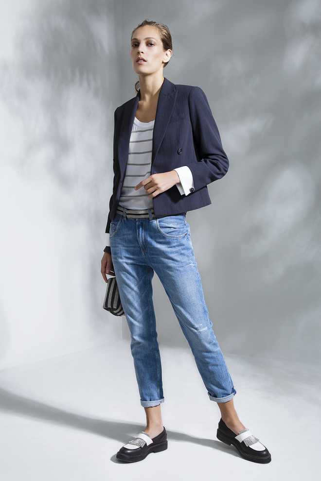 http://www.fashionsnap.com/collection/brunello-cucinelli/womens/2016ss/gallery/index18.php