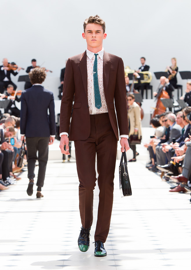 http://www.fashionsnap.com/collection/burberry-prorsum/mens/2016ss/gallery/index3.php