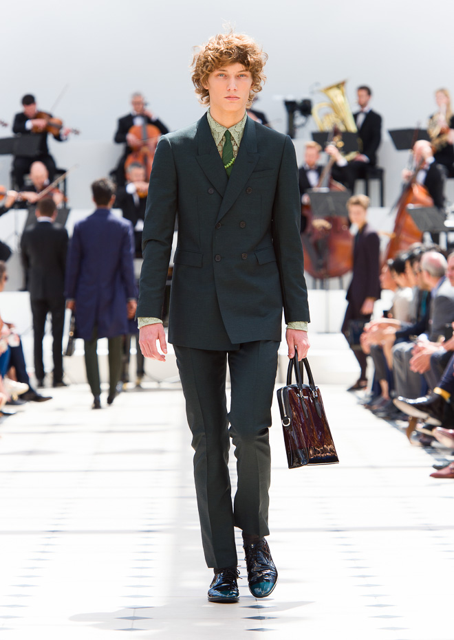 http://www.fashionsnap.com/collection/burberry-prorsum/mens/2016ss/gallery/index9.php