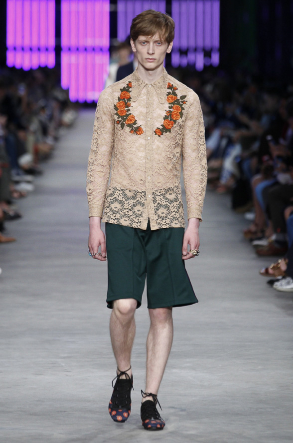 http://www.fashionsnap.com/collection/gucci/mens/2016ss/gallery/index6.php
