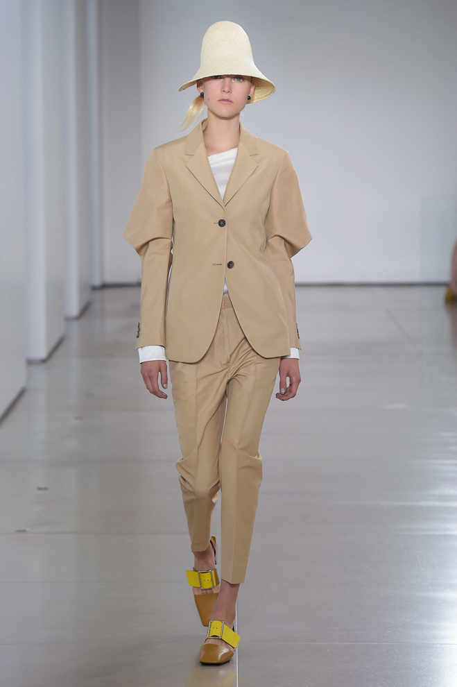 http://www.fashionsnap.com/collection/jil-sander/womens/2016ss/gallery/index6.php