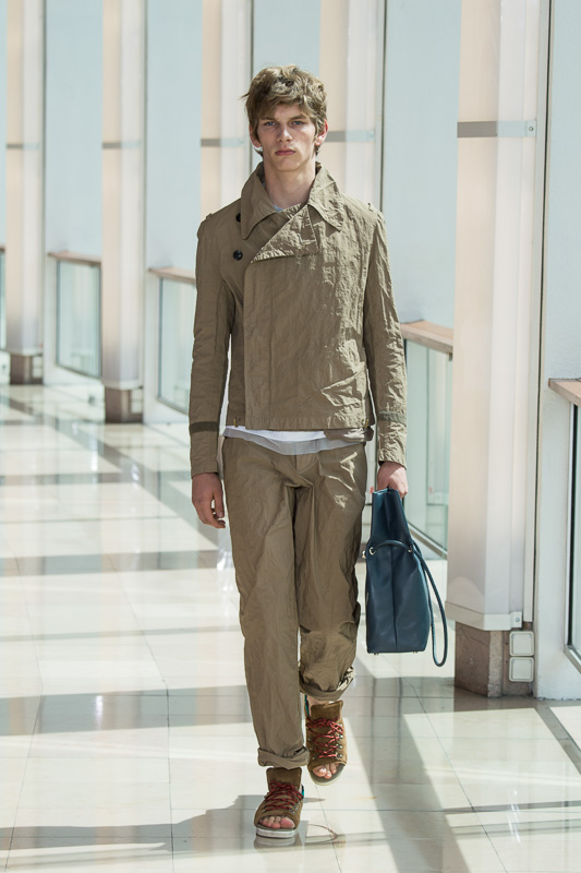 http://www.fashionsnap.com/collection/kolor/mens/2016ss/gallery/index5.php