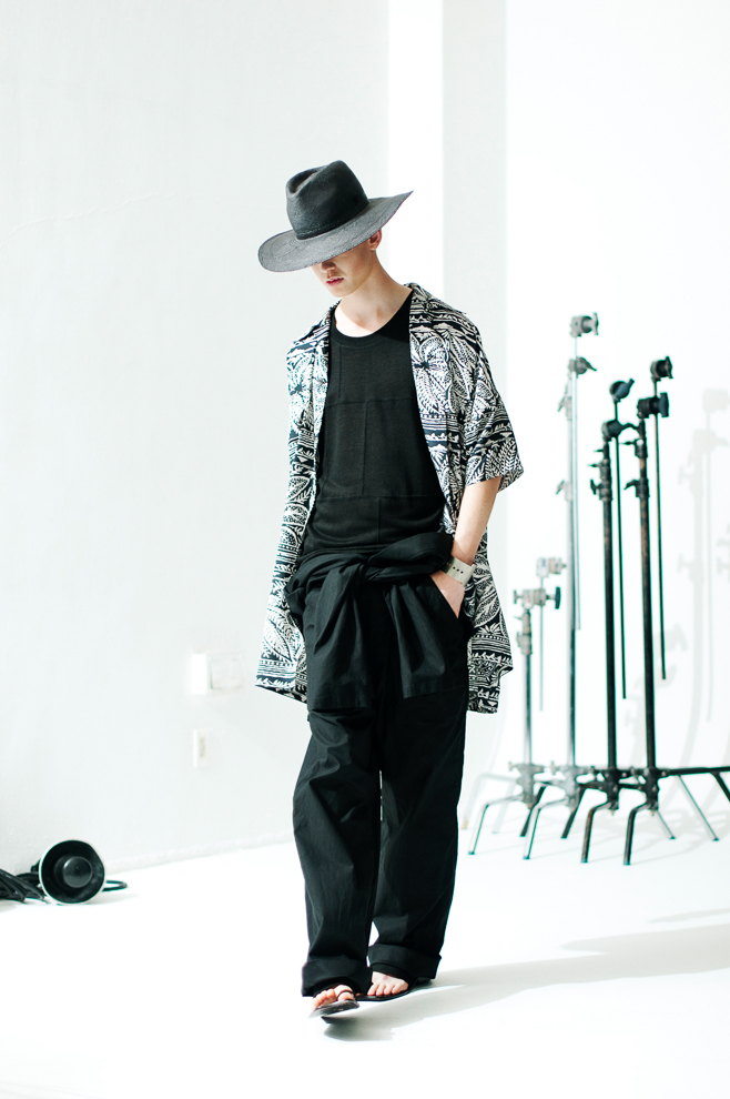 http://www.fashionsnap.com/collection/robes-confections/mens/2016ss/gallery/index15.php