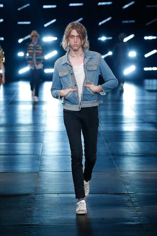 http://www.fashionsnap.com/collection/saint-laurent/mens/2016ss/gallery/index73.php