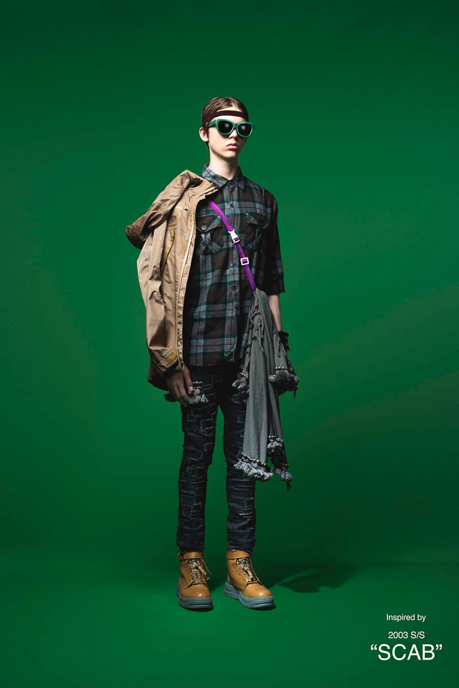 http://www.fashionsnap.com/collection/undercover/mens/2016ss/gallery/index22.php