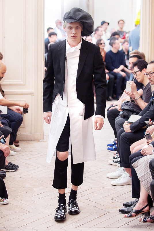 http://www.fashionsnap.com/collection/comme-des-garcons/homme-plus/2016ss/gallery/index13.php