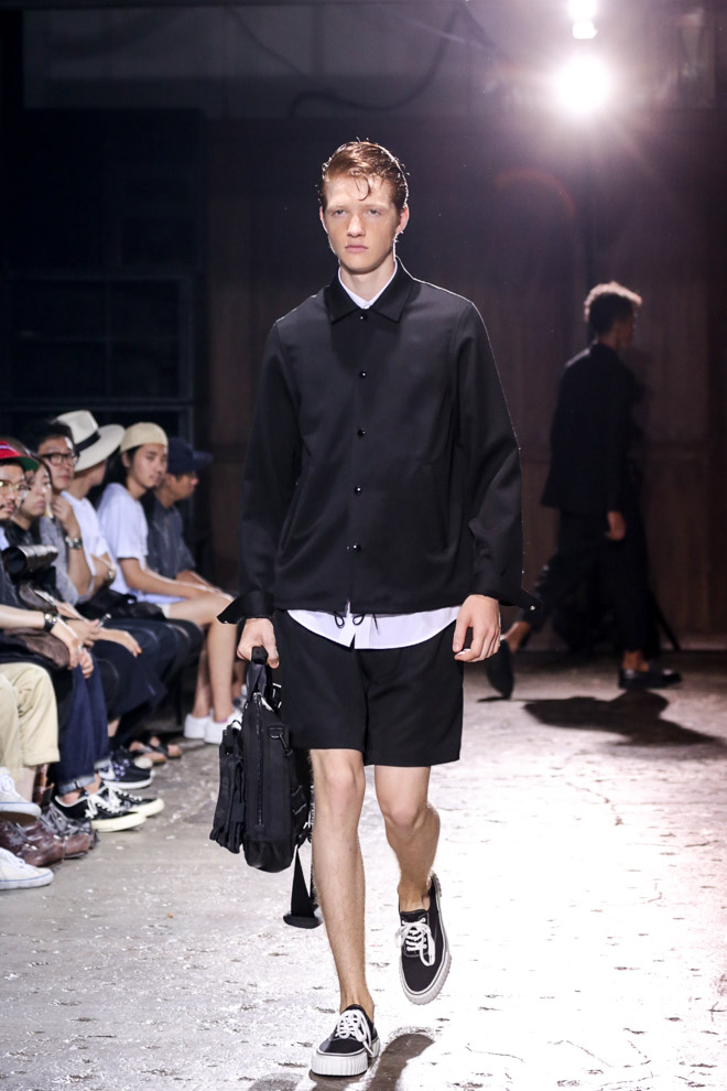 http://www.fashionsnap.com/collection/comme-des-garcons/ganryu/2016ss/gallery/index5.php