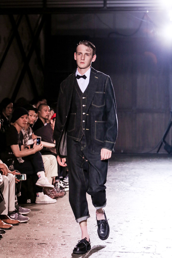 http://www.fashionsnap.com/collection/comme-des-garcons/ganryu/2016ss/gallery/index13.php