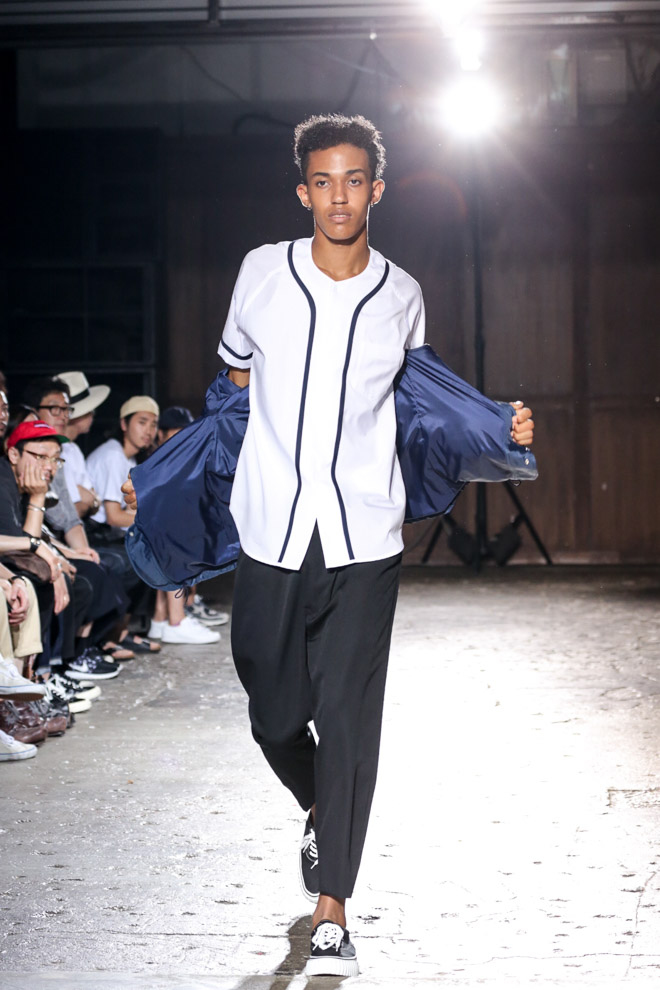 http://www.fashionsnap.com/collection/comme-des-garcons/ganryu/2016ss/gallery/index34.php