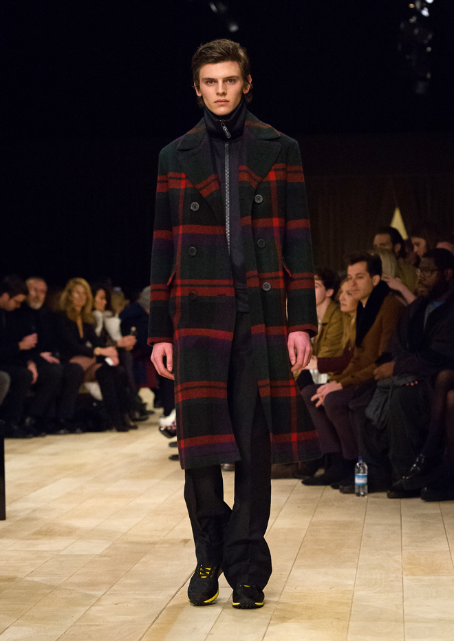 http://www.fashionsnap.com/collection/burberry/mens/2016-17aw/gallery/