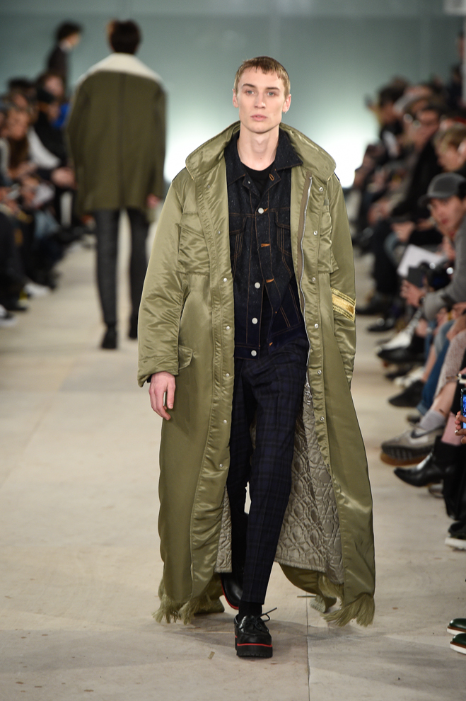 http://www.fashionsnap.com/collection/casely-hayford/2016-17aw/gallery/index8.php