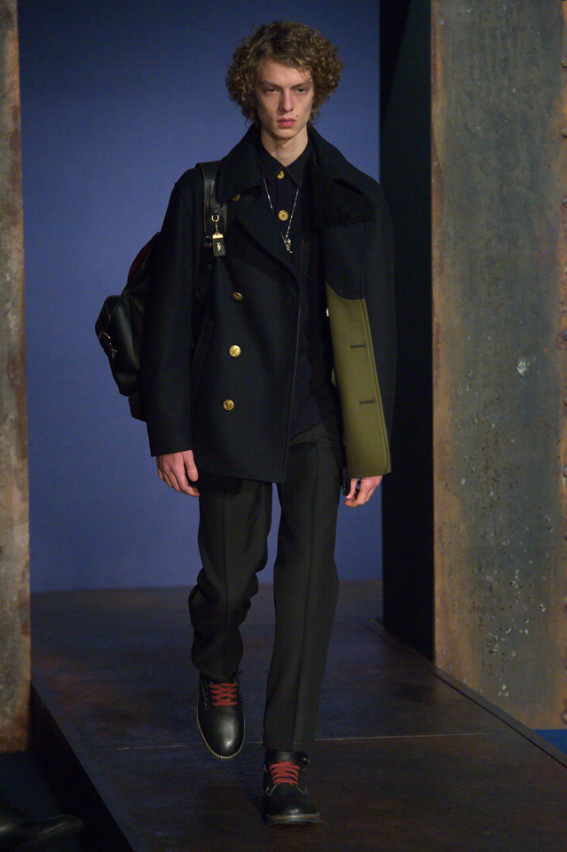 http://www.fashionsnap.com/collection/coach/mens/2016-17aw/gallery/index23.php
