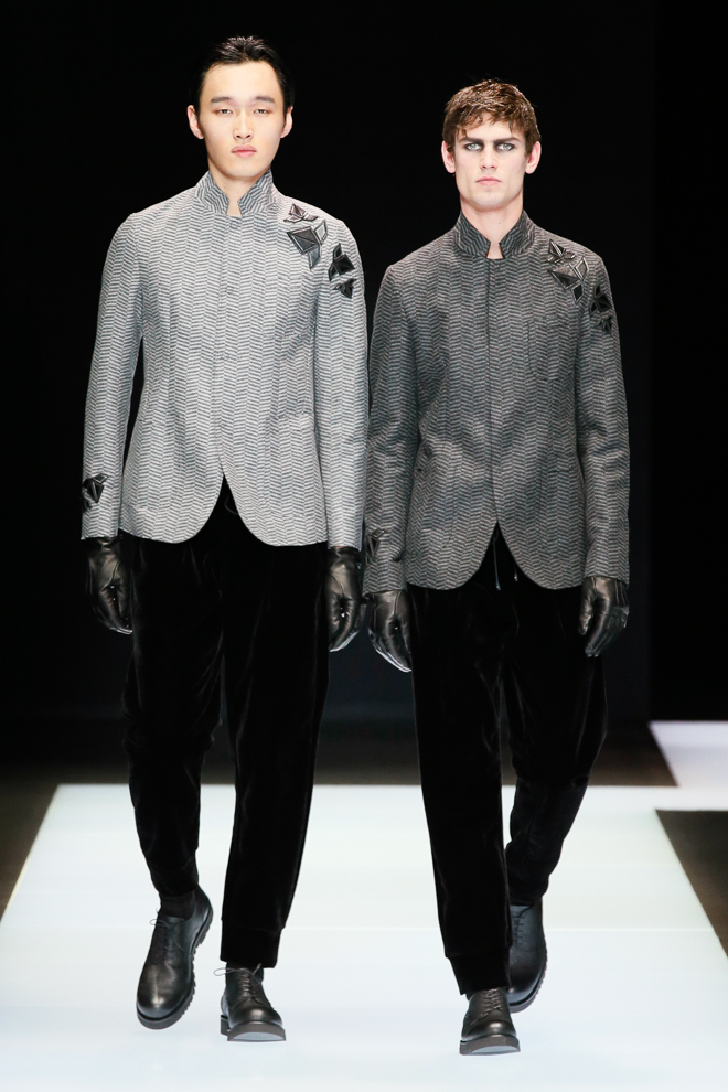 http://www.fashionsnap.com/collection/emporio-armani/mens/2016-17aw/gallery/index46.php