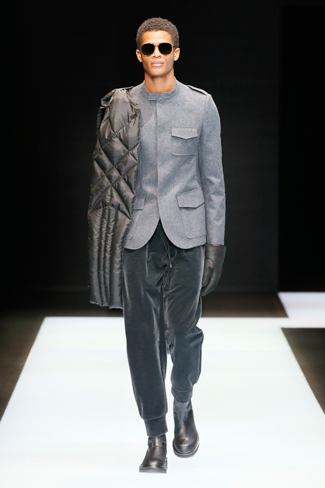 http://www.fashionsnap.com/collection/emporio-armani/mens/2016-17aw/gallery/index54.php