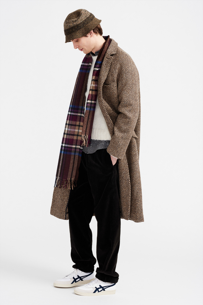 http://www.fashionsnap.com/collection/jcrew/2016-17aw/gallery/index17.php