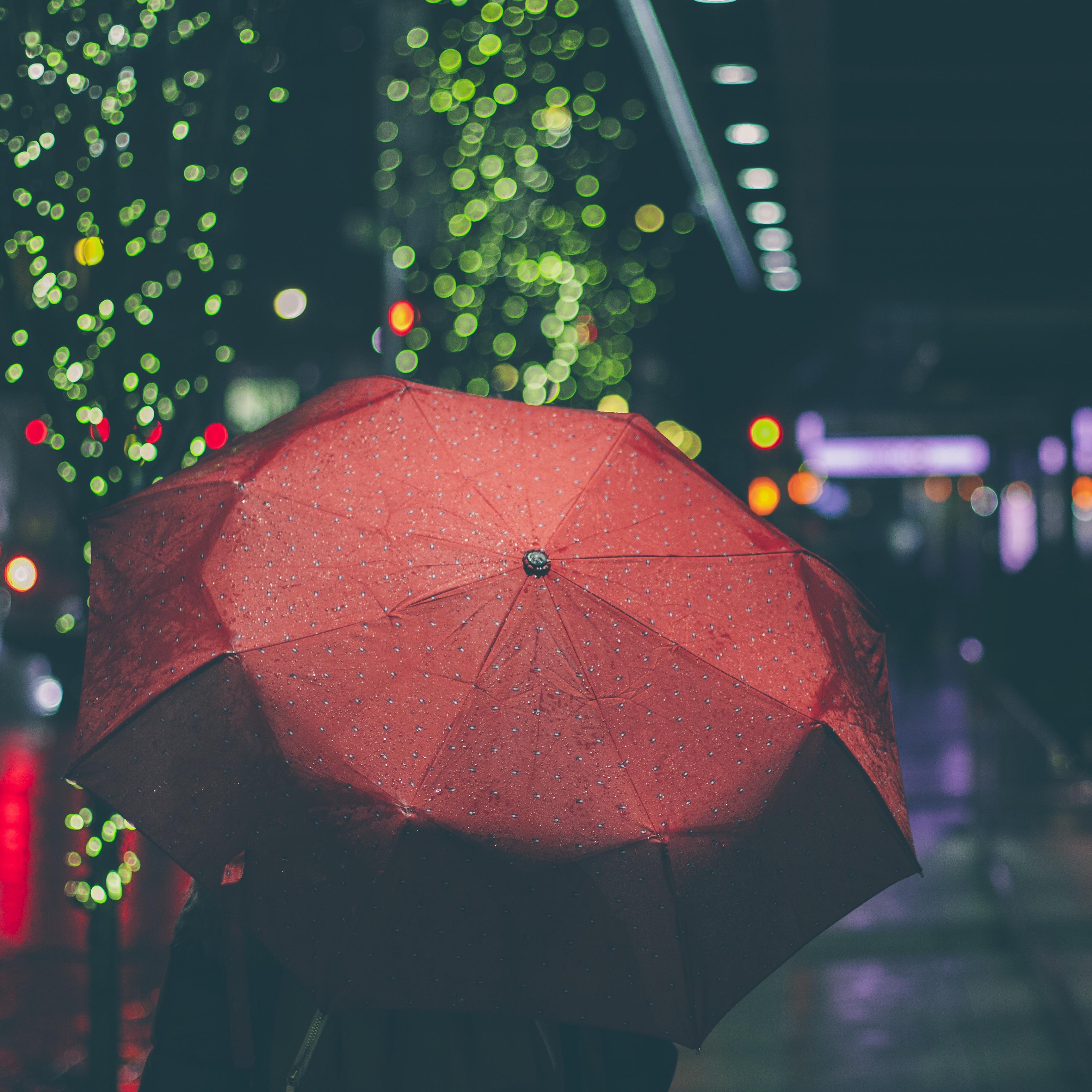 雨と赤い傘アイコン