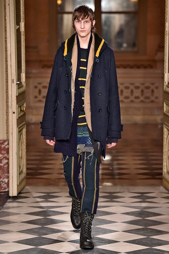 http://www.fashionsnap.com/collection/sacai/mens/2016-17aw/gallery/index24.php