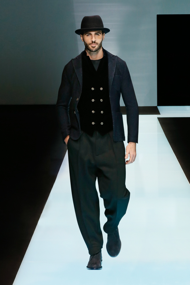 http://www.fashionsnap.com/collection/giorgio-armani/giorgiomens/2016-17aw/gallery/index33.php