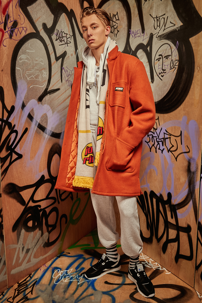 http://www.fashionsnap.com/collection/joyrich/mens/2016-17aw/gallery/index13.php