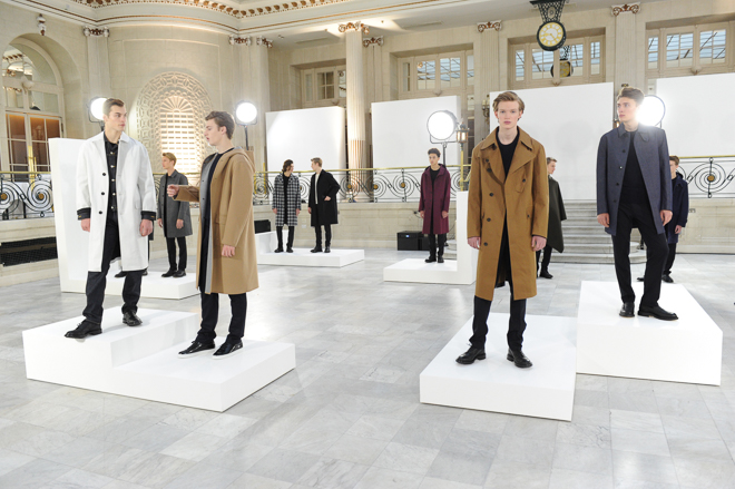 http://www.fashionsnap.com/collection/mackintosh/mens/2016-17aw/gallery/index19.php