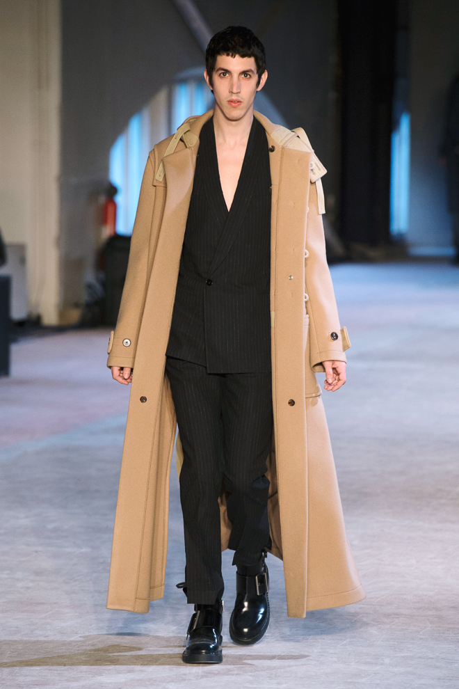 http://www.fashionsnap.com/collection/maison-margiela/mens/2016-17aw/gallery/index13.php
