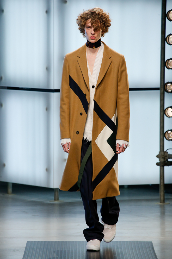 http://www.fashionsnap.com/collection/msgm/mens/2016-17aw/gallery/