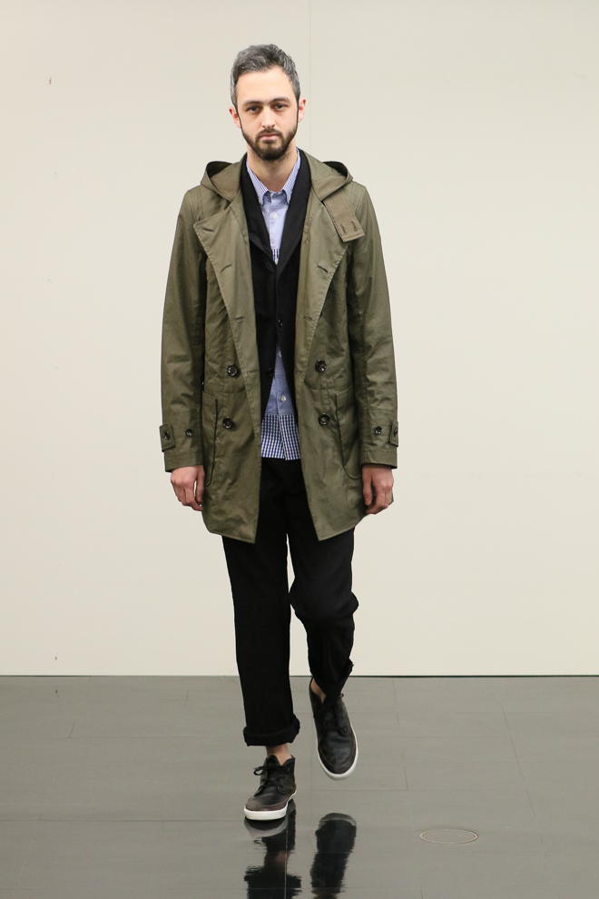 http://www.fashionsnap.com/collection/comme-des-garcons/homme/2016-17aw/gallery/index16.php