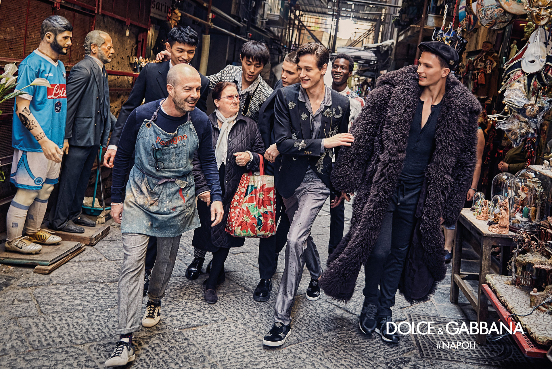 http://www.dolcegabbana.com/man/advertising-campaign/