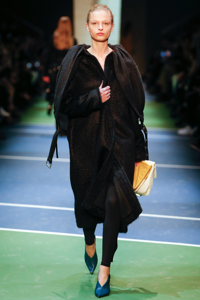 http://www.vogue.co.jp/collection/brand/celine/16aw-rtw/